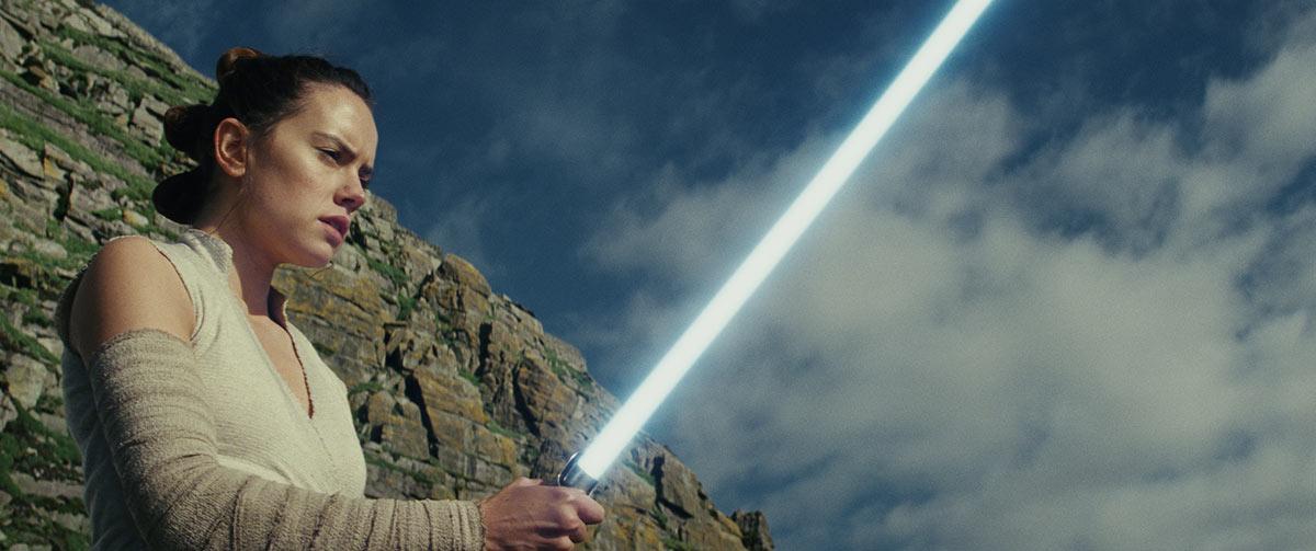 Star Wars: The Last Jedi. Rey (Daisy Ridley). Photo: Lucasfilm Ltd. © 2017 Lucasfilm Ltd. All Rights Reserved.