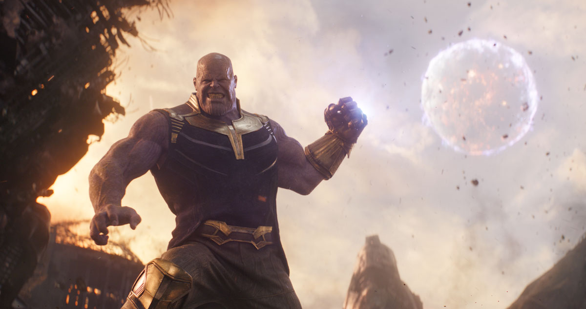 SMASH: Thanos with the Infinity Gaunlet uses the Infinity Stonesin Avengers: Infinity War