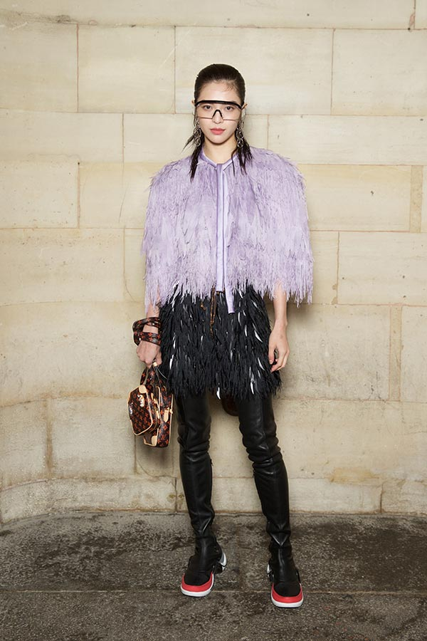 ZHONG CHUXI fringes and fake feathers - the party look 2019